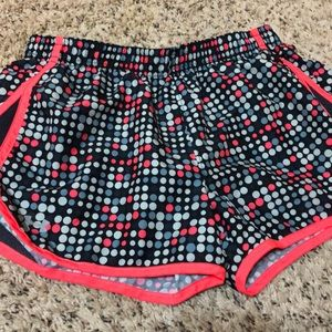 women's small Under Armour Shorts